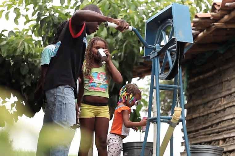 Pepsico lleva agua a más de 1,3 millones de personas para compensar su huella hídrica