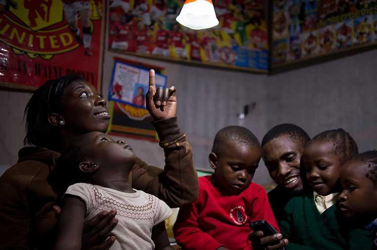 Energía solar, solución para superar la frontera de desarrollo en África