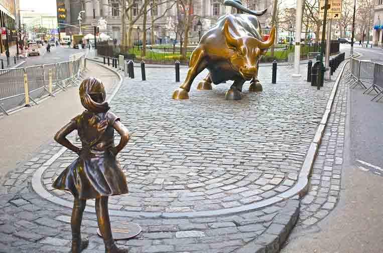 <p>Fearless Girl, la estatua de una niña que planta cara al sistema financiero estadounidense.</p>