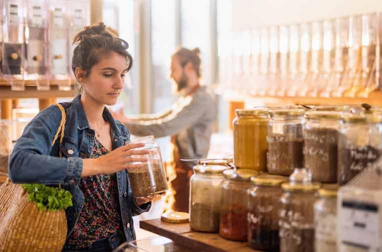 <p>La compra a granel reduce el uso de plásticos y envases de un solo uso.</p>