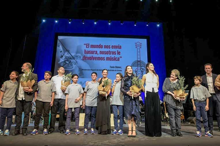 La Orquesta de Instrumentos Reciclados de Cateura llena por cuarta vez el Teatro Real