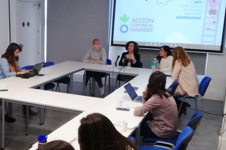 Se reduce la brecha de género en el emprendimiento, pero las mujeres desisten antes
