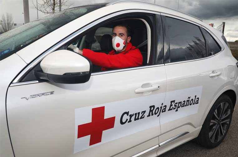 Varias compañías ceden su flota de vehículos para sanitarios y Cruz Roja