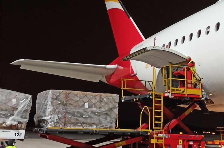 Crean un corredor aéreo con China para traer productos sanitarios para el COVID-19