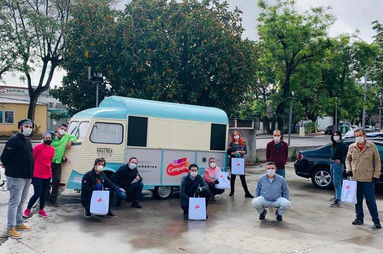 Sevilla reparte meriendas saludables para personas en situación de vulnerabilidad