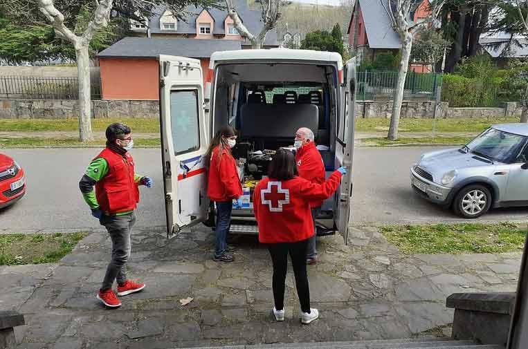 <p>Cruz Roja ha lanzado el plan 'Cruz Roja Responde' frente a la COVID-19 para atender a los más vulnerables.</p>
