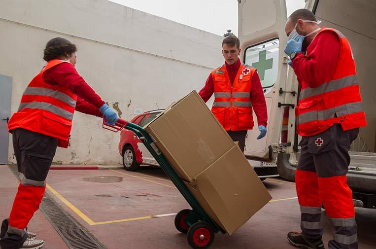 <p>Lidl está aportando su ayuda al proyecto 'Cruz Roja Responde'. Foot. Lidl.</p>