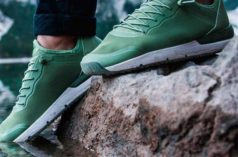 <p>Modelo Canyon de zapatillas. Foto: Tropicfeel.</p>