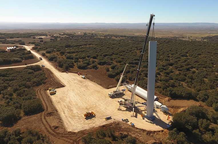 <p>Montaje de turbina. Foto: Endesa</p>