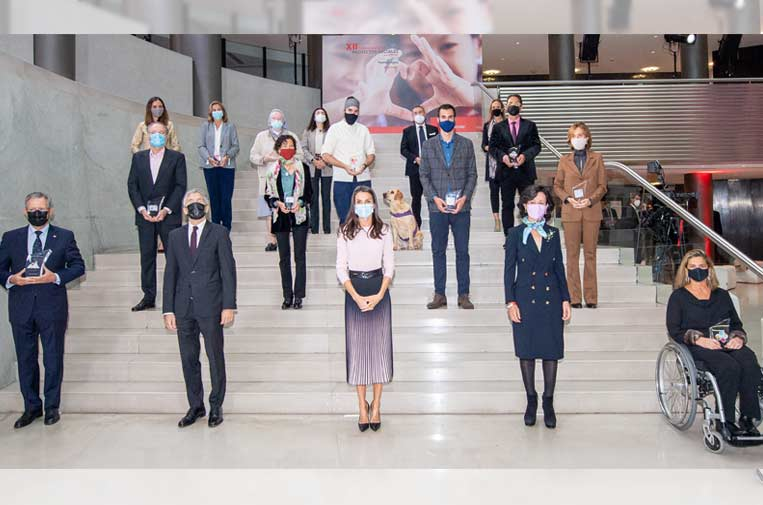 12 ONG reciben las ayudas de 'Euros de tu Nómina' de los empleados del Santander