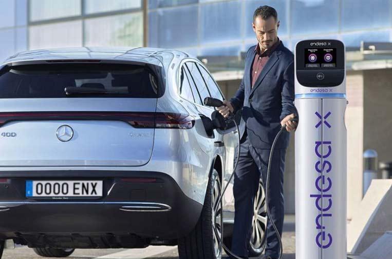<p>Endesa X tiene el compromiso de impulsar el despliegue de infraestructura de puntos de recarga para las flotas de vehículos eléctricos de las empresas.</p>