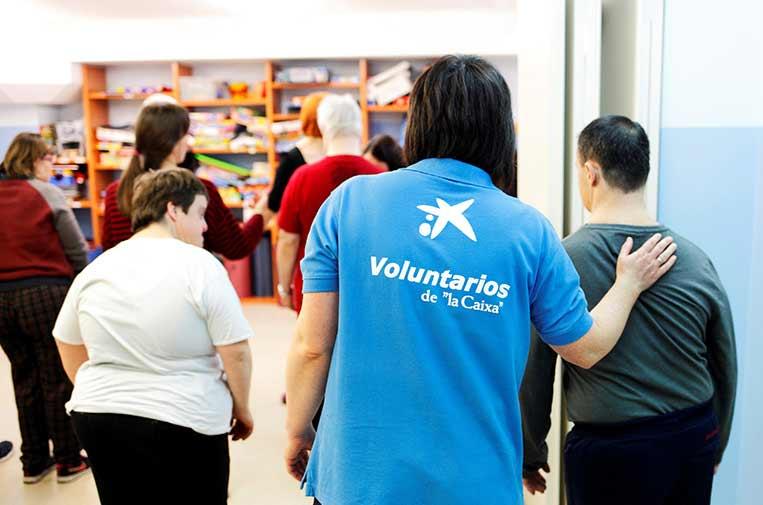"""<p>Este 2020, la iniciativa de voluntariado de CaixaBank ha cumplido su decimoquinto aniversario de labor solidaria. Foto: Voluntarios """"la Caixa"""".</p>"""