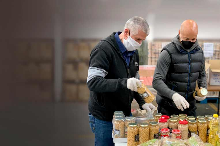 """<p>Miles de personas en situación de vulnerabilidad de toda España han recibido 3.600 toneladas de alimentos básicos gracias a las donaciones recogidas por 'Ningún hogar sin alimentos'. Foto: Fundación """"la Caixa"""".</p>"""