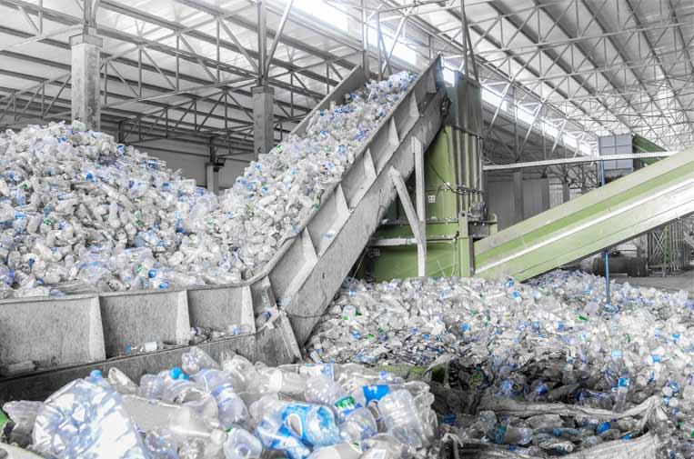 La ridícula producción de PET reciclado