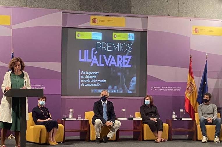 <p>Imagen de la entrega de los premios Lilí Álvarez, que reconocen los trabajos periodísticos que mejor han contribuido a la defensa de la igualdad entre mujeres y hombres en el deporte.</p>