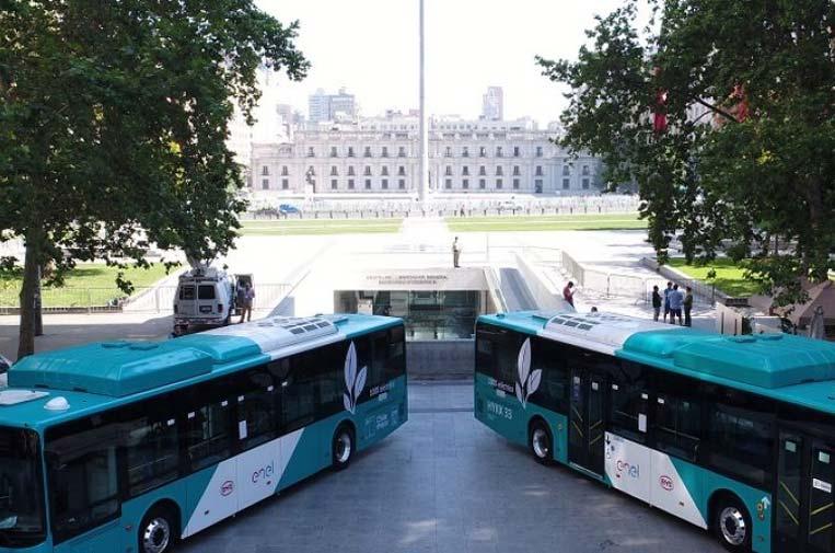 <p>Enel X impulsa un transporte público limpio en Chile. Foto: Enel.</p>