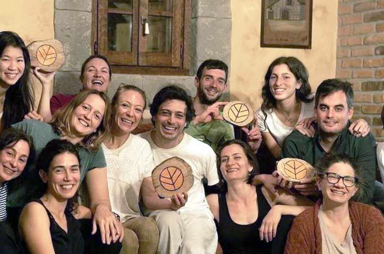 <p>Grupo de participantes de la primera experiencia Rooral. Foto: Rooral.</p>