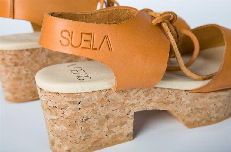<p>Suela utiliza el corcho como materia prima esencial. Foto: Suela.</p>