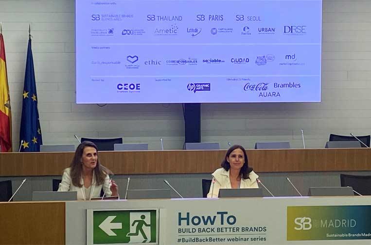 <p>Sandra Pina, directora general de Quiero y de Sustainable Brands Madrid, junto a Marta Blanco, presidenta de CEOE Internacional.</p>