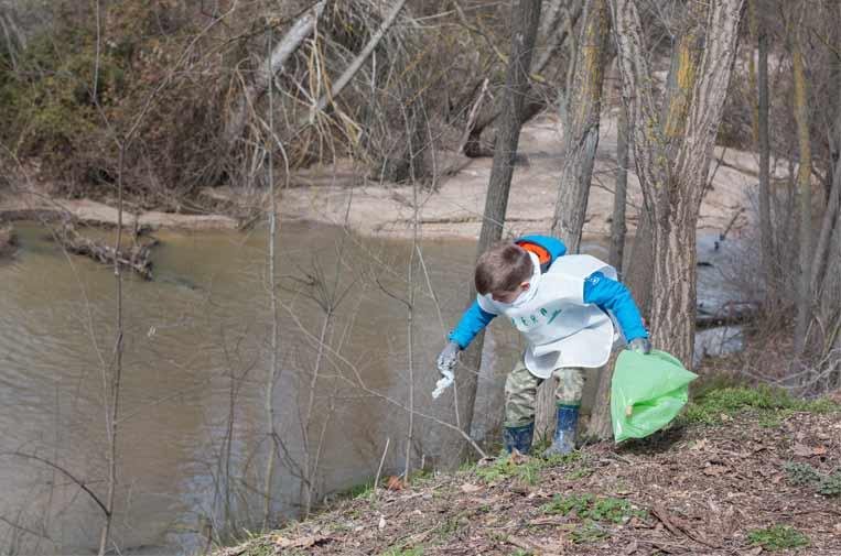'Basuraleza', la contaminación de domingueros que afecta a los espacios naturales