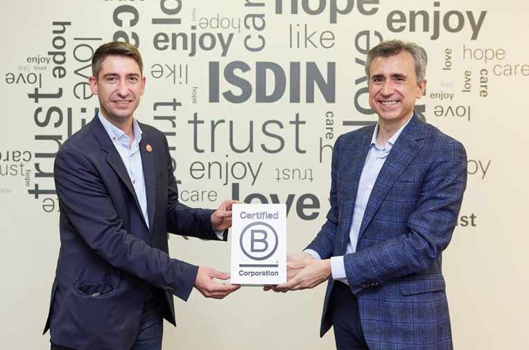 <p>Pablo Sánchez, director de B Lab Spain, y Juan Naya, CEO de Isdin.</p>