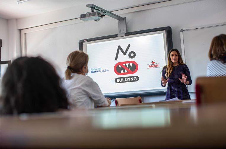 Cae el acoso escolar en España y se mantiene el 'ciberbullying' en pandemia