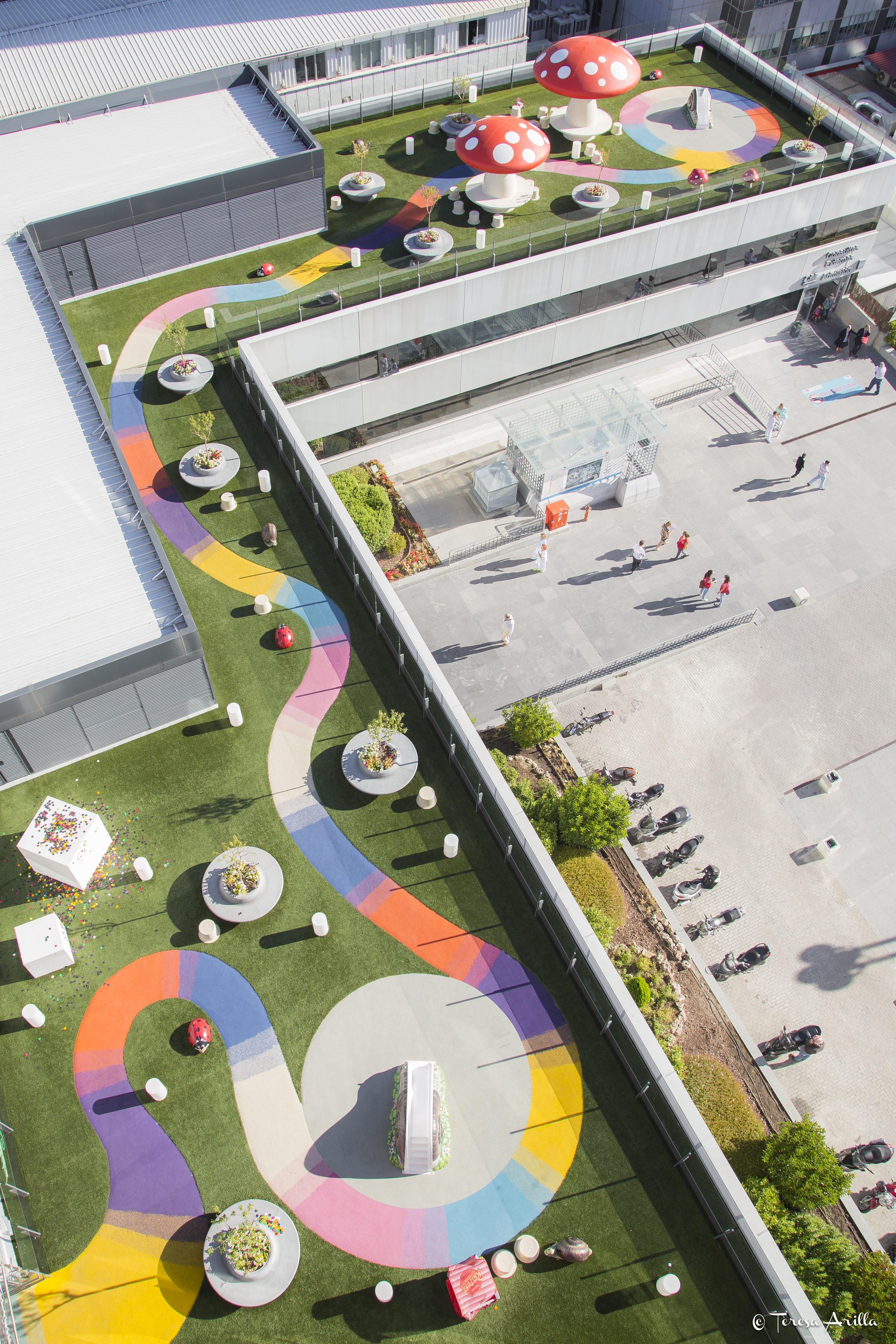 Autobar colabora con juegaterapia para la construcci n de for Jardines terapeuticos en hospitales