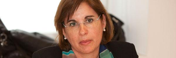 Teresa-Algans,-directora-Relaciones-con-organizaciones-de-protección-del-consumidor-Caixabank_
